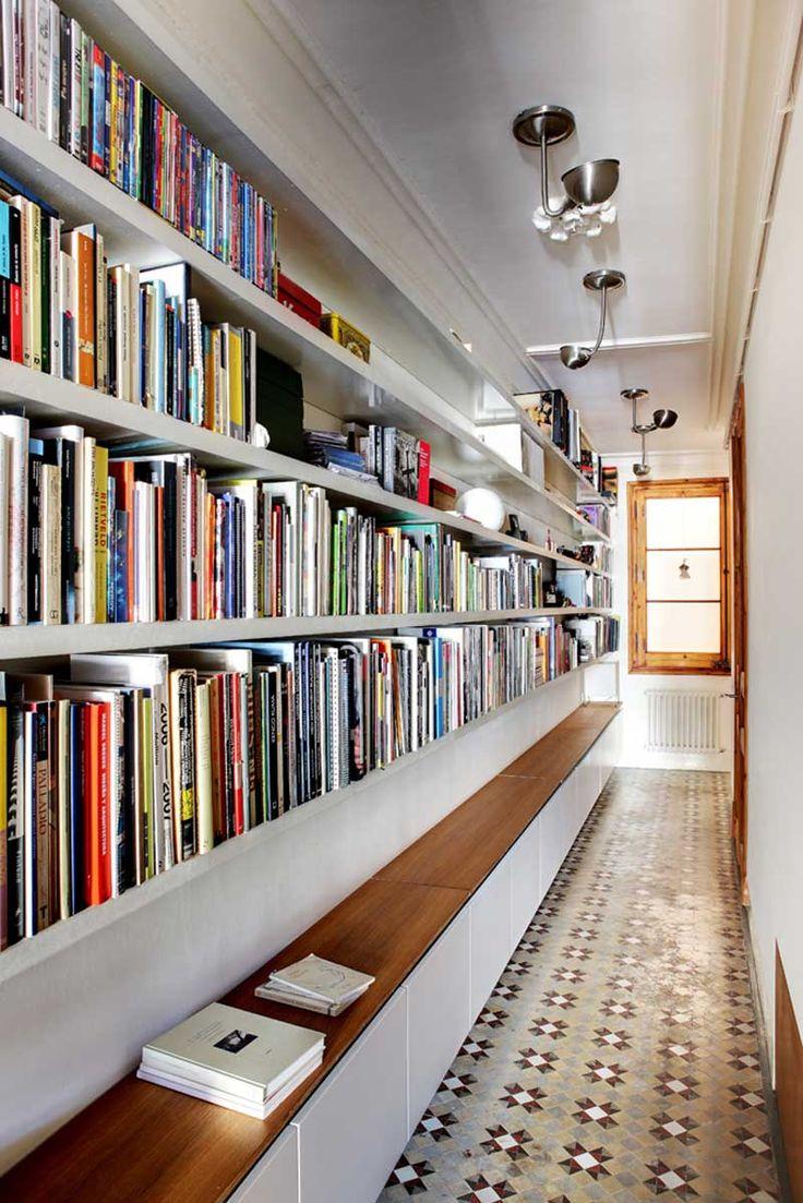 biblioteca-corredor-casa-
