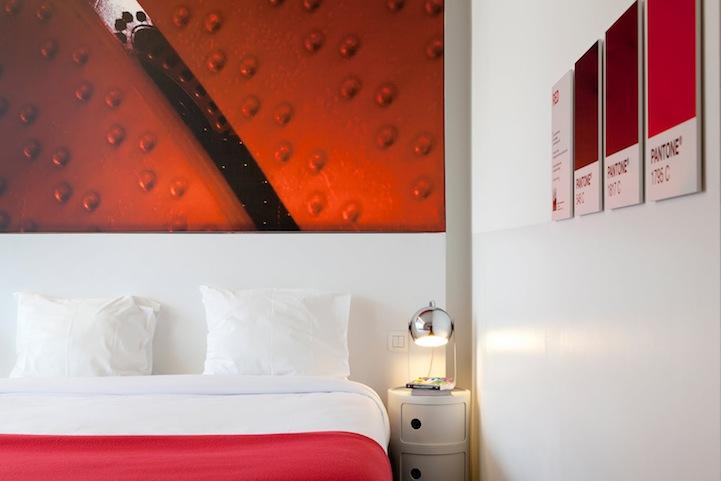 quarto-hotel-pantone