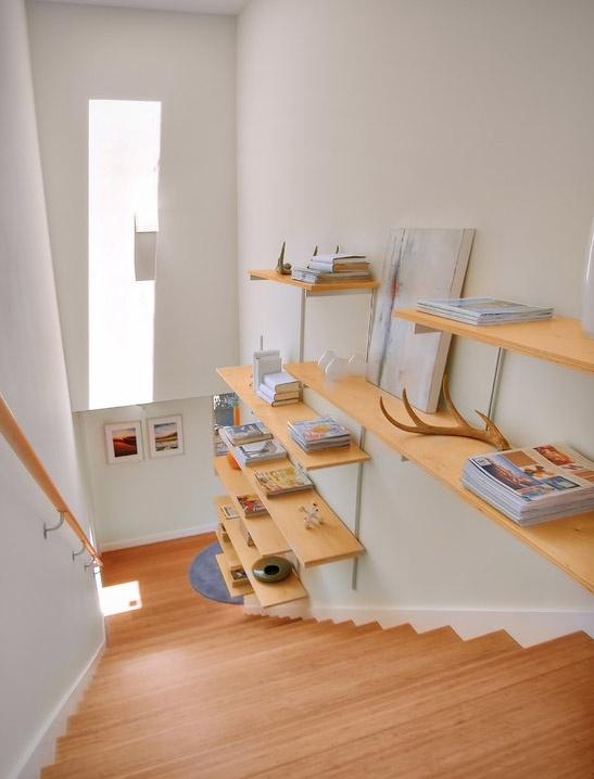 escada-com-prateleiras