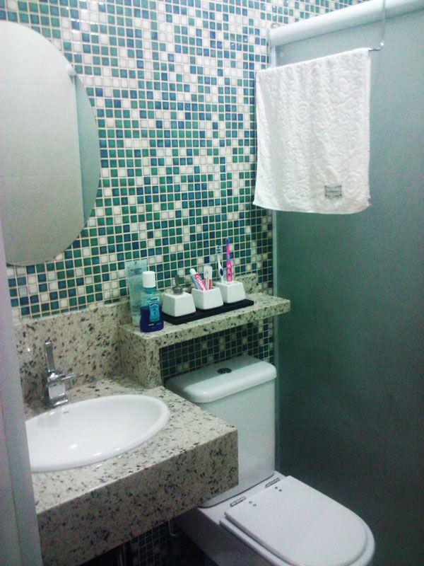 Banheiros Pequenos  Referências -> Banheiro Com Pastilha Na Parede Do Vaso