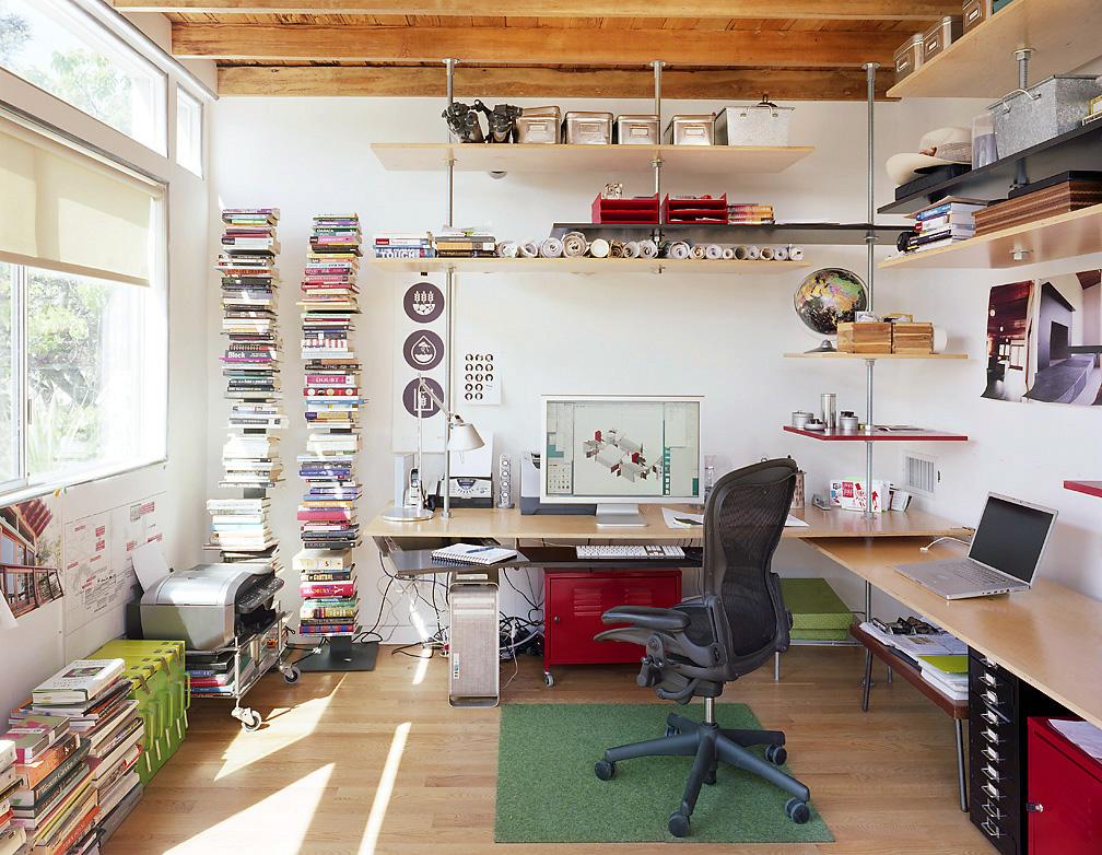 home-office-criativo-colorido-diversificado