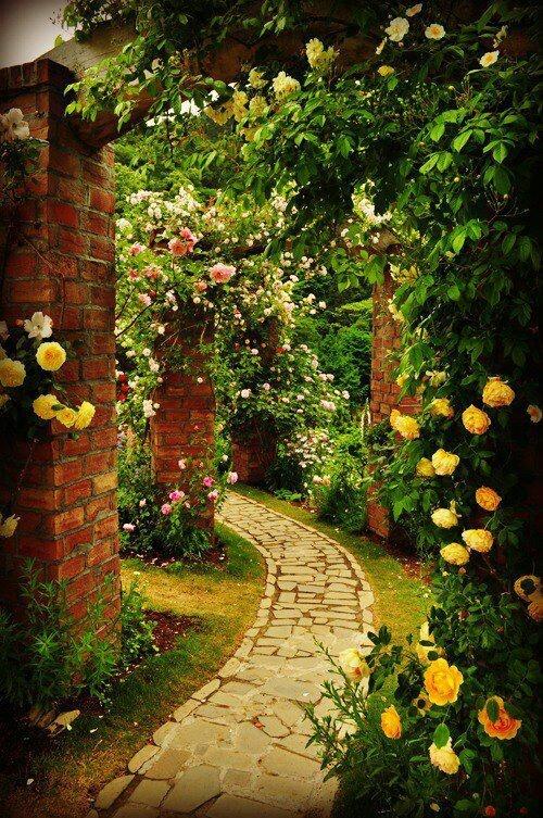 tunel-de-flores-em-jardim