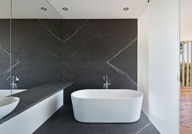 banheira-em-banheiro-moderno