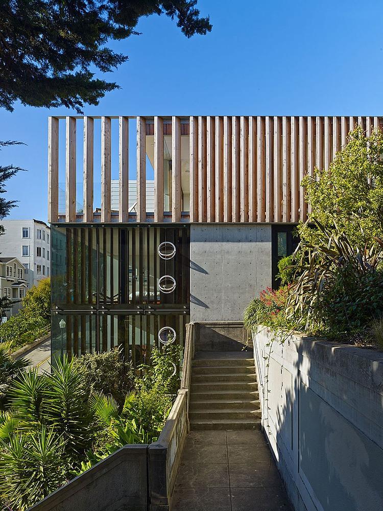 escada-externa-pra-entrar-na-casa