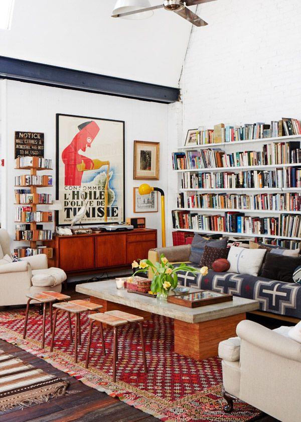 estante-com-livros-na-sala