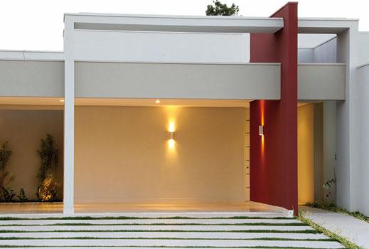 fachada-da-casa-pilar-vermelho