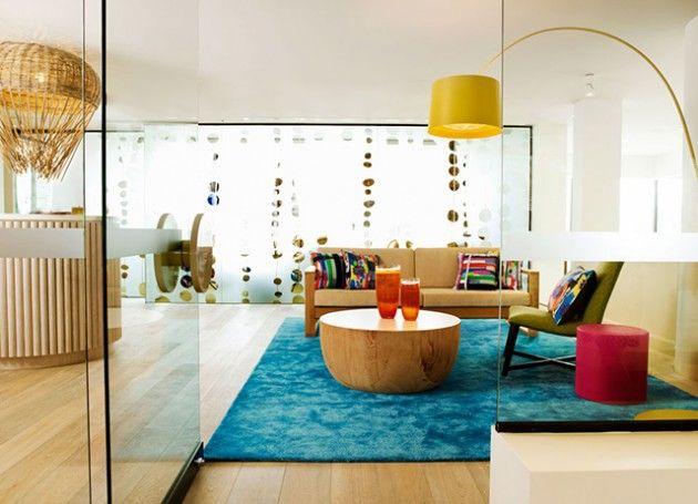 luminaria-de-piso-amarela-moderna