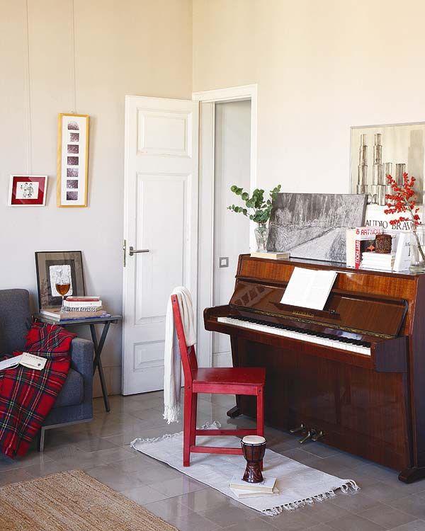 piano-console-em-sala-pequena