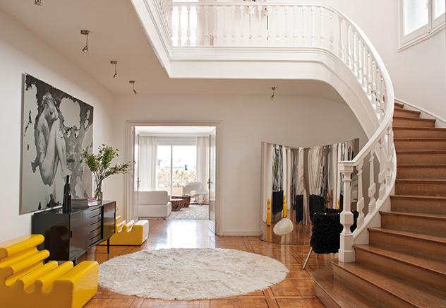 poltrona-amarela-hall-casa