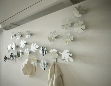 cabideiros-espelhados-em-forma-de-folha