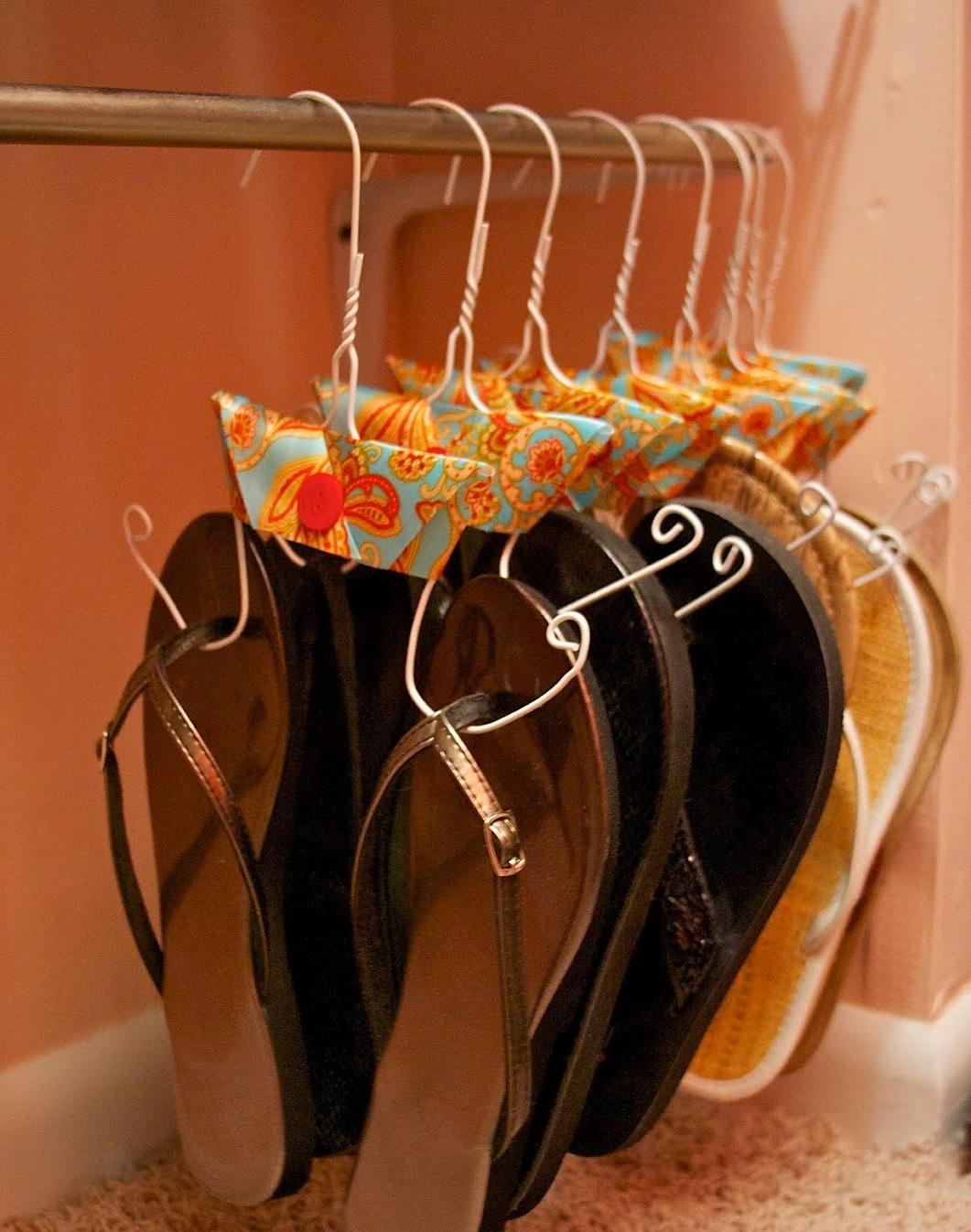 cabides-para-calcados-chinelos