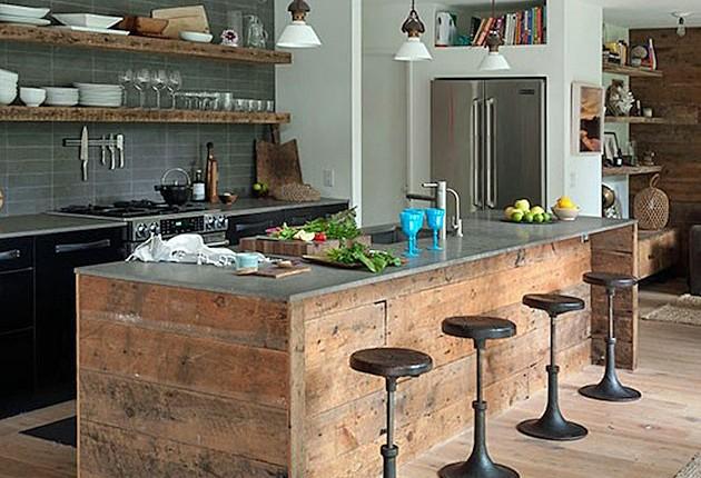 cozinha-balcao-madeira-parede-de-pedra