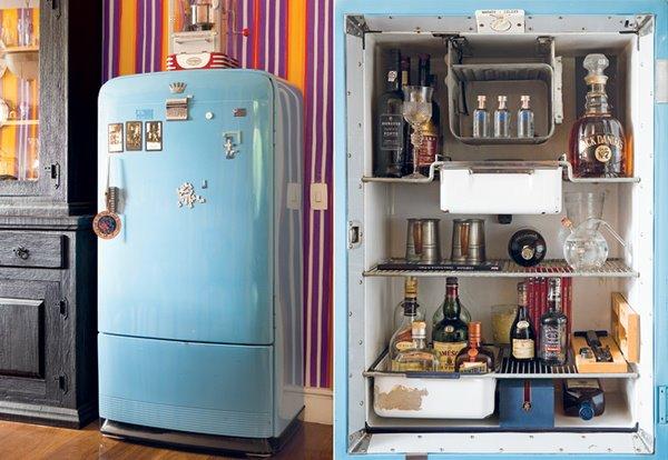 geladeira-antiga-vira-bar-sala