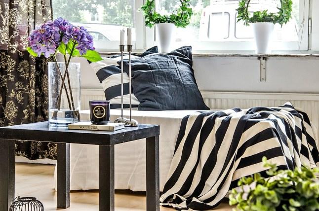 manta-listrada-preto-branco-sofa
