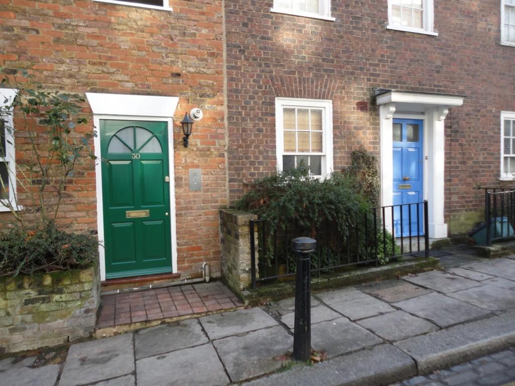 porta-colorida-entrada-de-casa-sem-muro