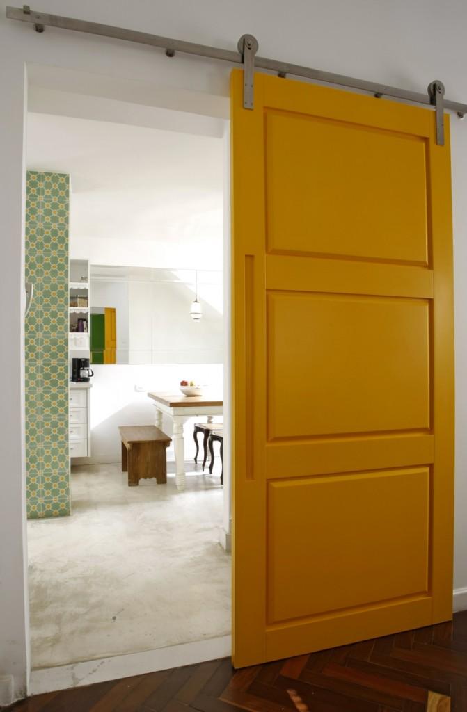 porta-de-correr-interna-amarela