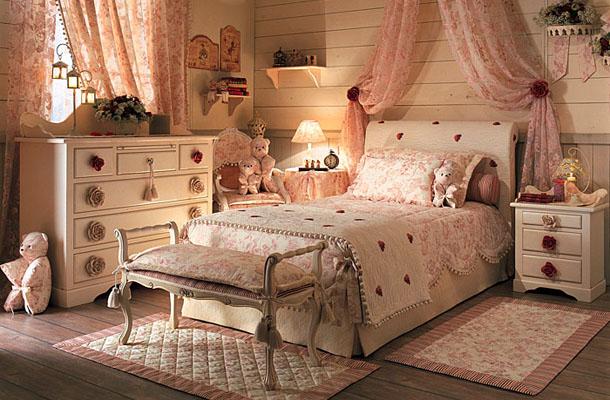 decoracao de interiores em estilo provencal: móveis e objetos decorativos fazem referência ao estilo provençal