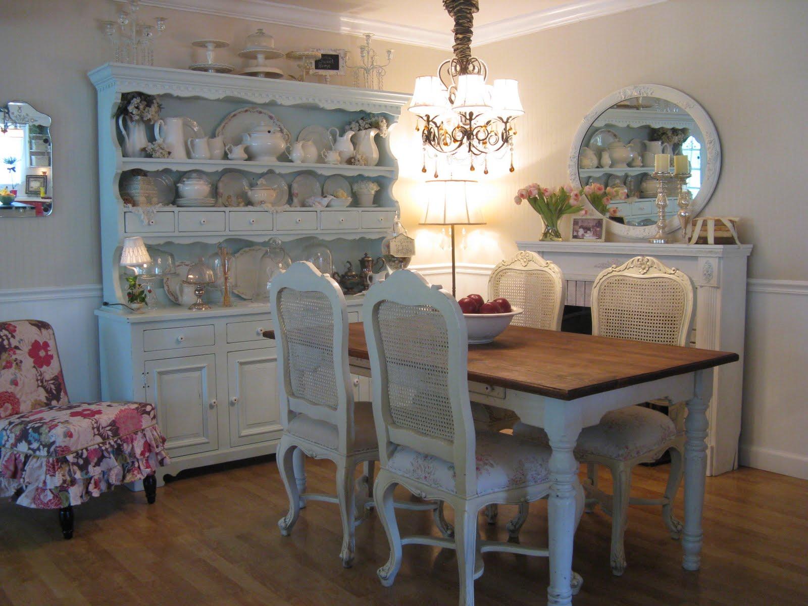 decoracao de interiores em estilo provencal: com características provençais são destaque nesta sala de jantar
