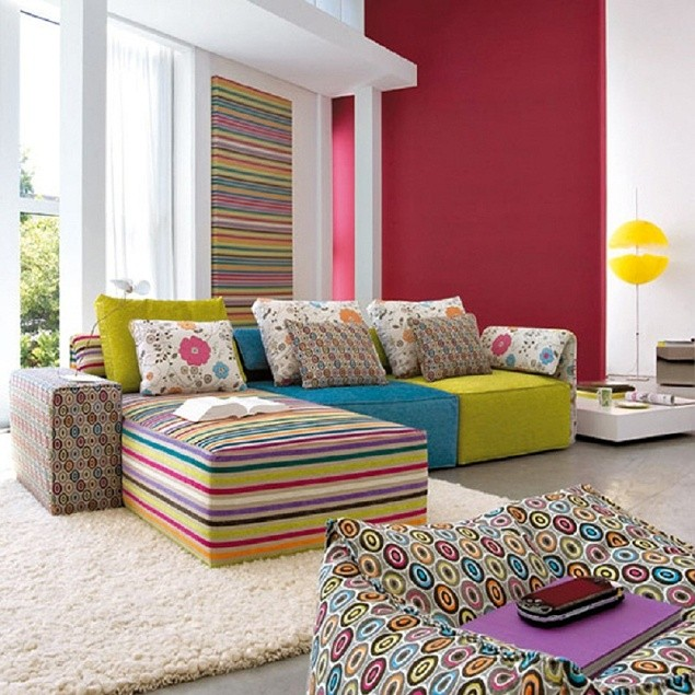 sofa-estampa-colorida-sala