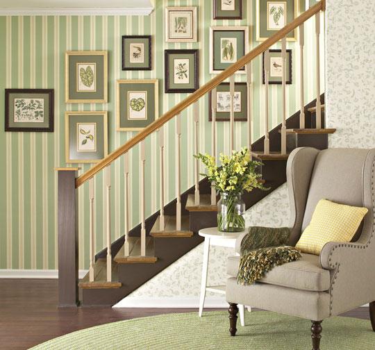folhas-emolduradas-parede-escada