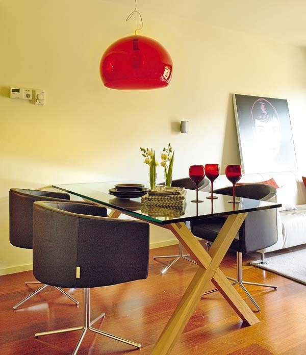 pendente-vermelho-mesa-jantar