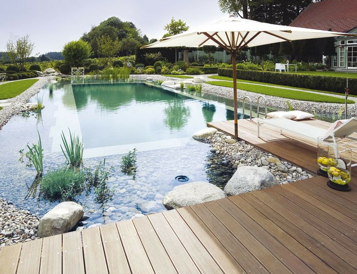 piscina-grande-borda-pedras-naturais