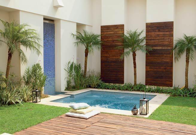 piscina-quadrada-quintal-casa