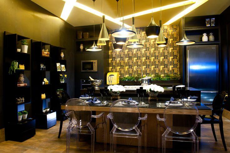 sala-de-jantar-bem-iluminada