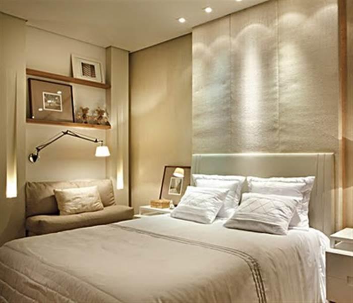 decoracao de interiores salas e quartos:Outro exemplo um pouco mais distante, mas por ser flexível, ilumina