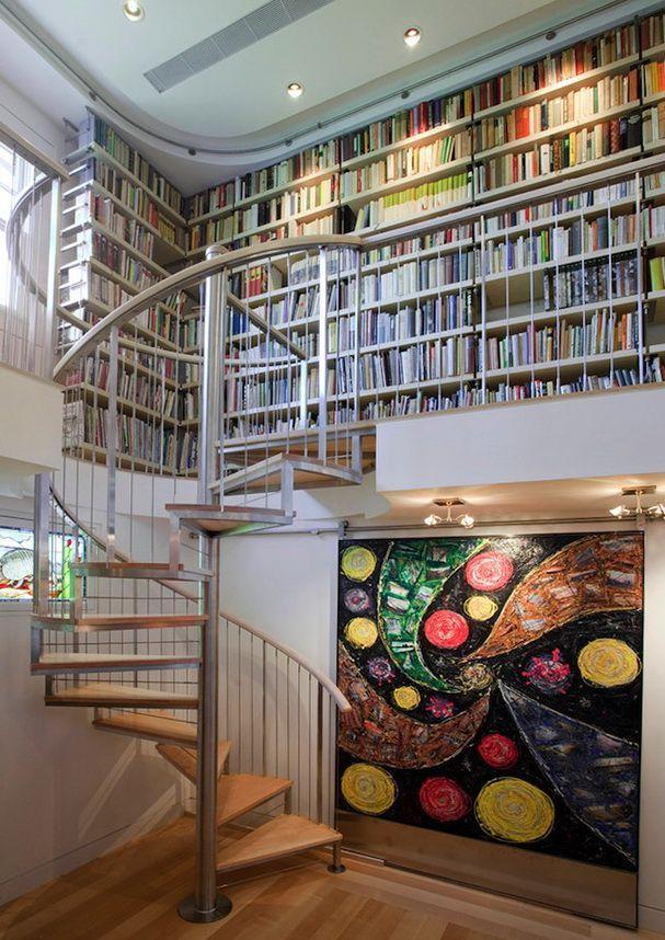 biblioteca-suspensa-com-escada-cararol