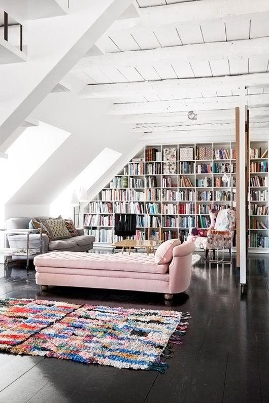 estante-com-livros-canto-sala