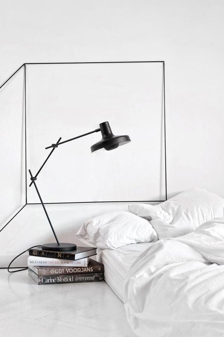 luminaria-de-mesa-moderna-sutil