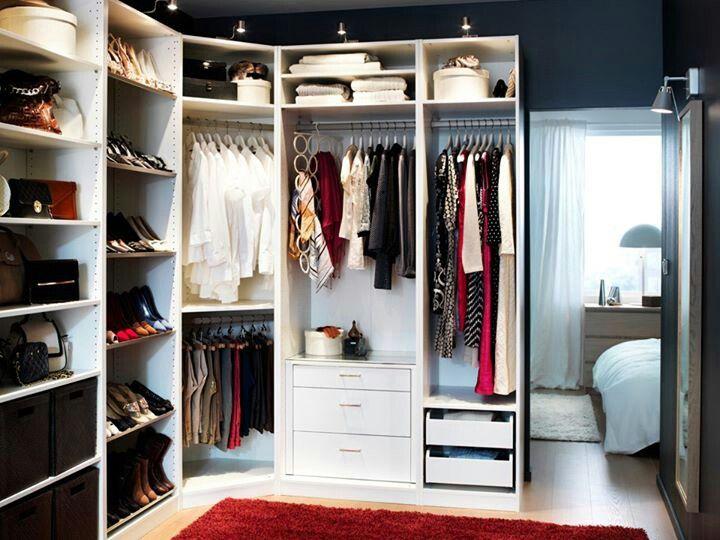18 modelos de closet sensacionais haus decora o for Modelos de walk in closet