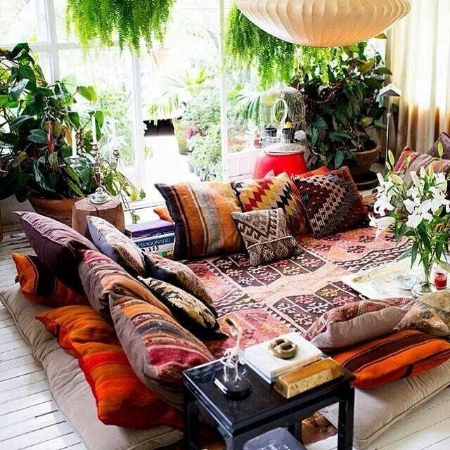 almofadas-no-chao-bastante-conforto