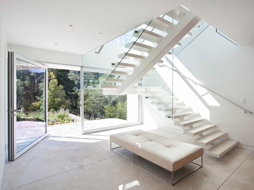 escada-com-acesso-ao-andar-de-baixo