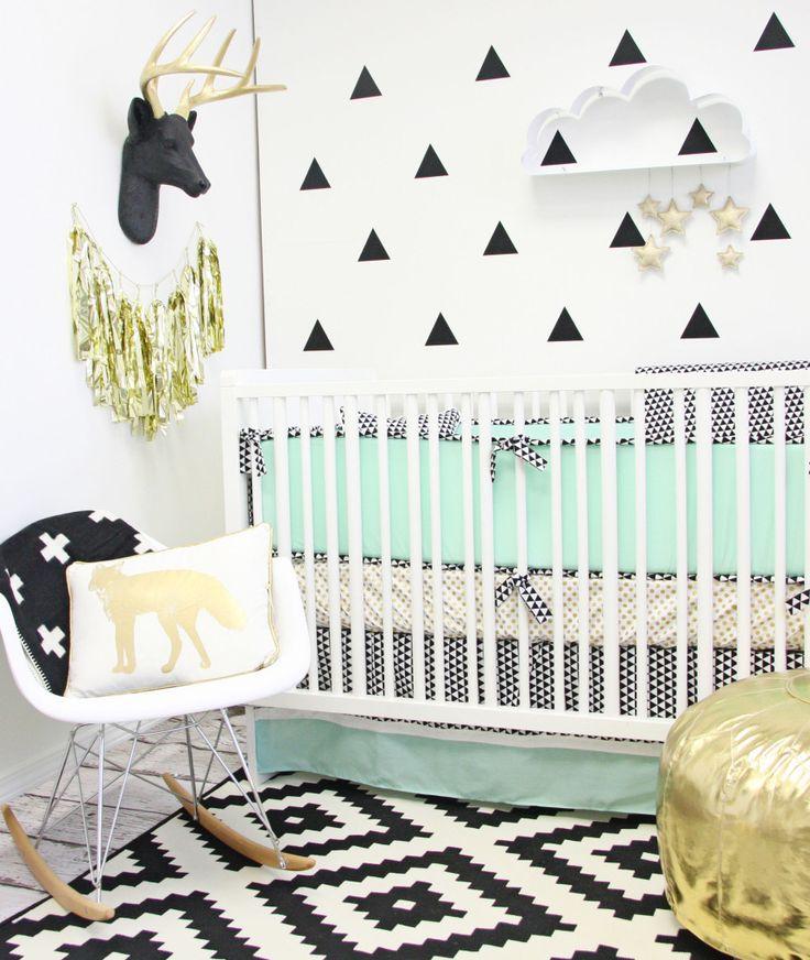 quarto-do-bebe-detalhes-dourados