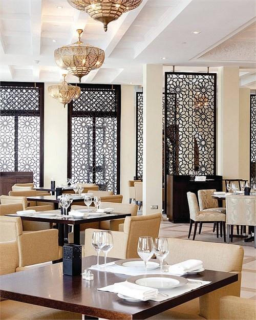 restaurante-com-detalhes-indianos