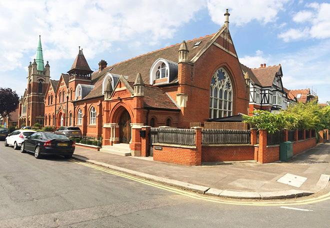 antiga-igreja-casa-moderna