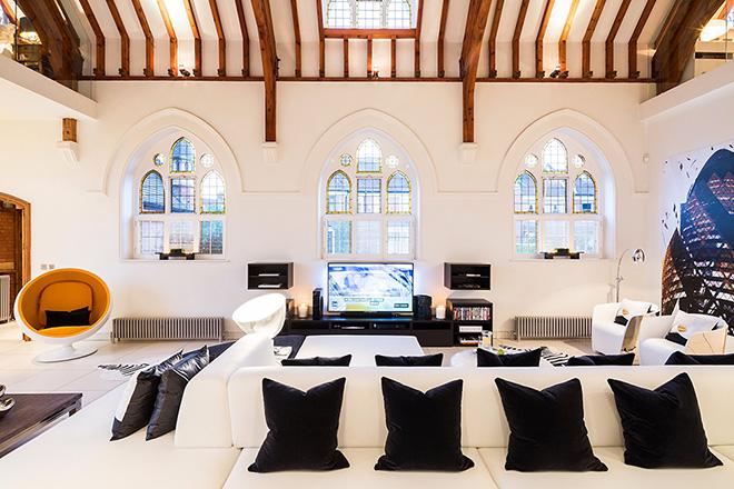 casa-moderna-em-igreja