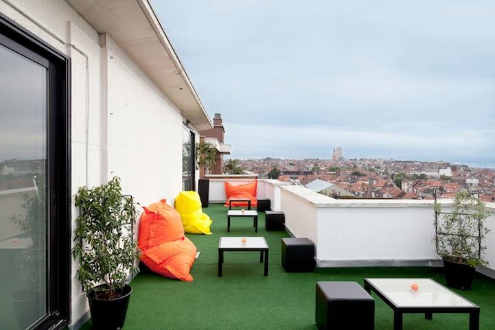 terraco-hotel-pantone