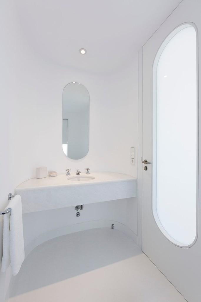 banheiro-inteiro-branco-casa-futurista