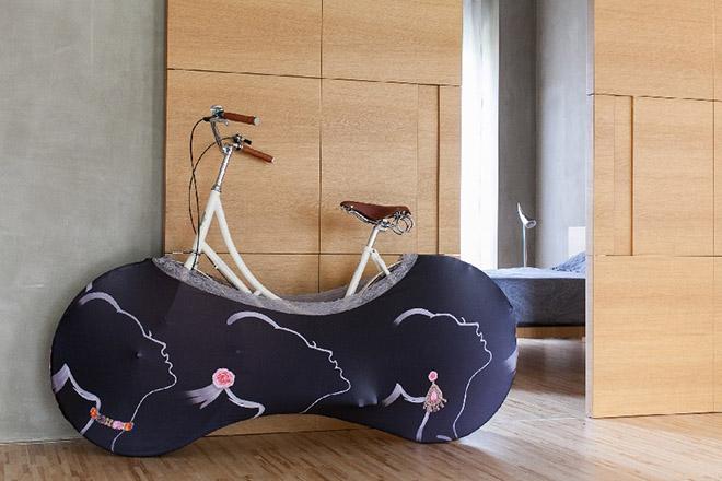 capa-azul-roda-bicicleta