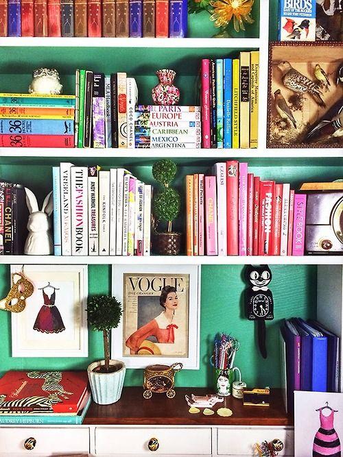 decoracao-muitas-cores-estante
