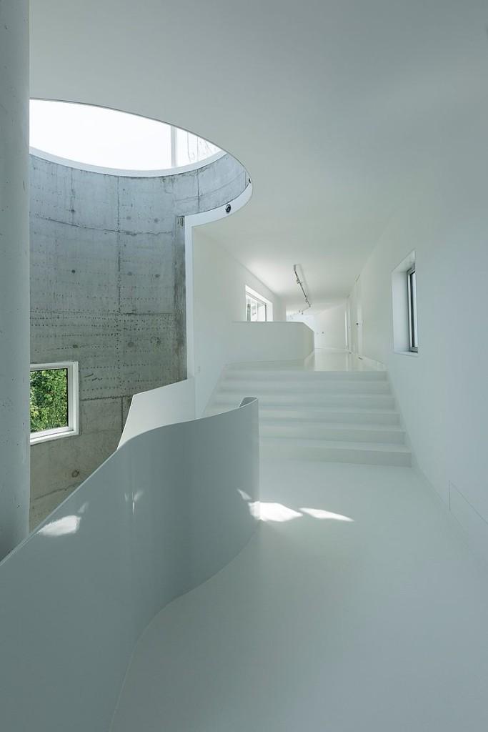 escada-branca-de-casa-moderna
