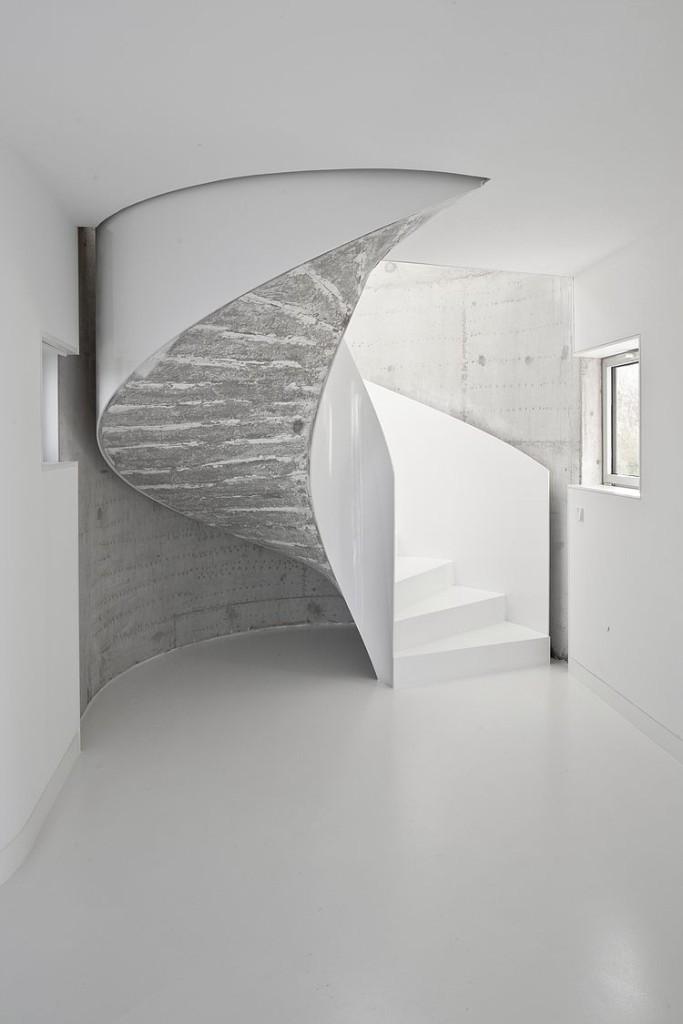 escada-caracol-branca