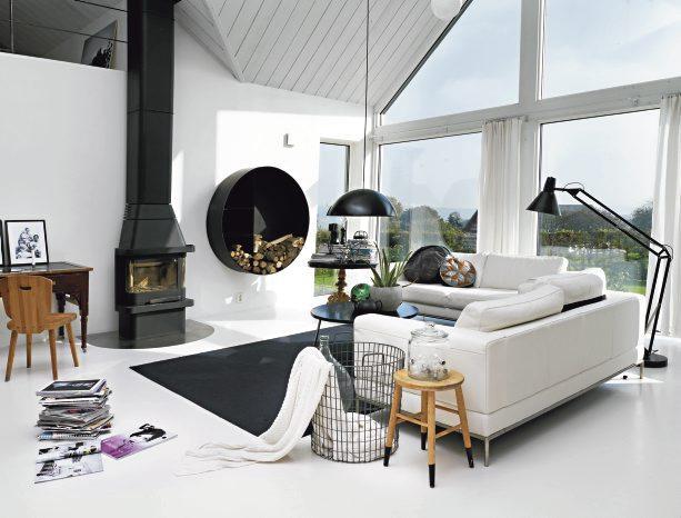 luminaria-de-piso-preta-moderna