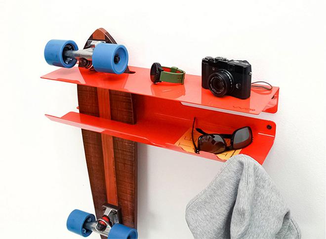 prateleira-suporte-skate-vermelha
