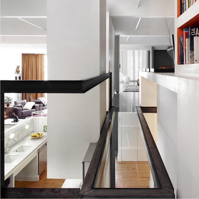 corredor-com-piso-transparente-em-vidro