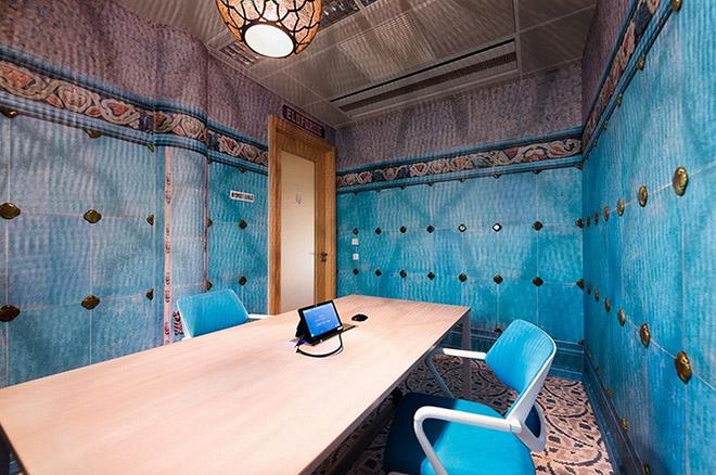 escritorio-do-google-em-budapeste-sala-de-reuniao