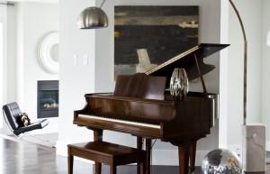 E o piano, aonde fica?